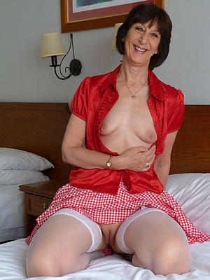 gorgeous mature over 50 nude pics