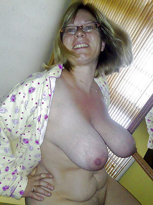 elegant grown-up saggy breasts porn pictures