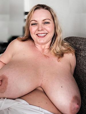 grown-up saggy titty posing undress