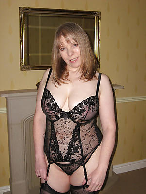 free mature wife nearly lingerie stripped
