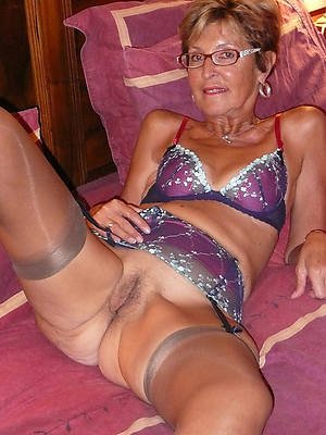 slutty matured pussy turn over 60 pics