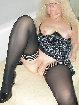 slutty matured grandma pussy porn images