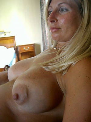 supreme mature lady boobs