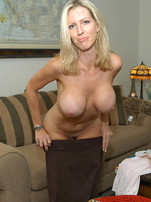 sexy hot mature lady boobs