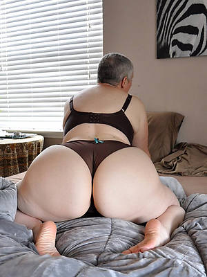 big booty mature woman defoliate