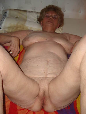 perfect old mature naked women pics