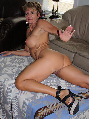 xxx mature women to high heels sex portico