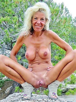 beautiful nude mature vulva pics