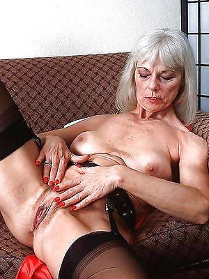 mature vulva pics