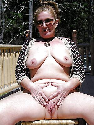 perfect mature vulva undressed pics