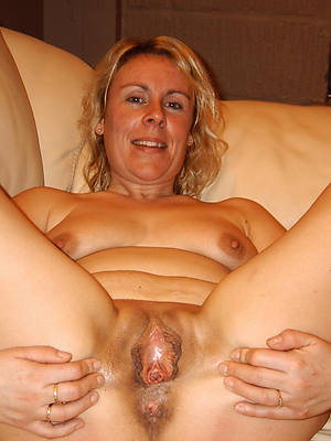 hotties of age pussy close up nude pics