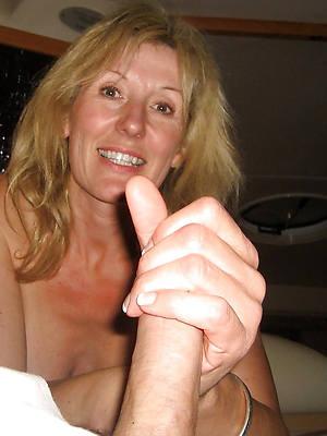 amateur mature handjobs stripped