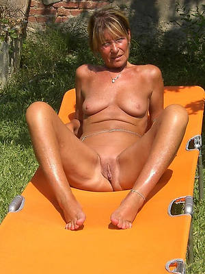 extravagant shaved grown up pussy pics