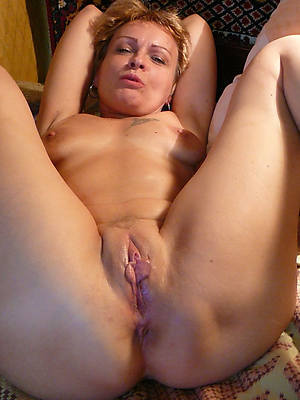 sexy hot grown-up shaved pussy