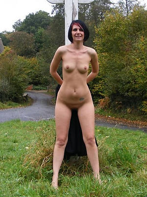 grown up women small tits posing nude
