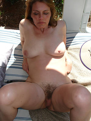 sexy naked blanched women