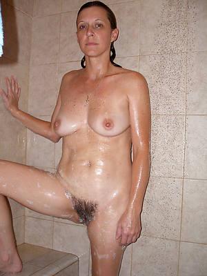 naught naked women in shower pics