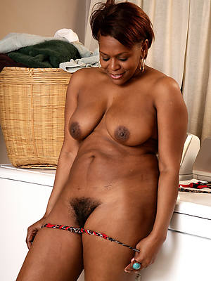 xxx mature black pussy in the buff pictures
