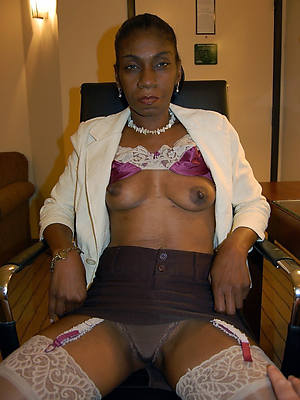 colored hair mature black pussy