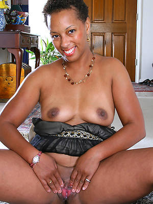 porn pics of mature Negroid hairy pussy