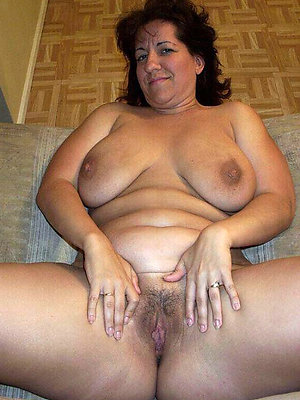 naked hot mature wife pics