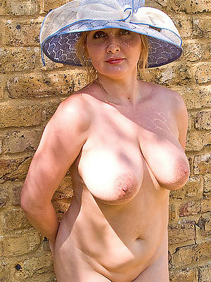 real sexy grown up old ladies pics