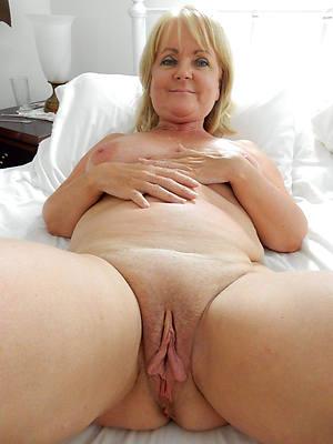 porn pics be incumbent on hairy matured vulva