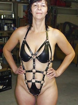 mature women in latex tits pics