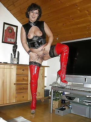 slutty horny latex mature pics