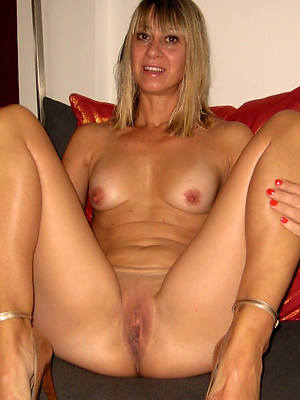 hotties skinny full-grown small tits nude photos
