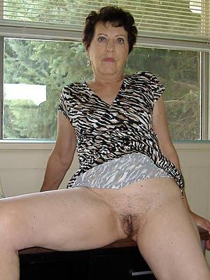 elderly mature women nude cunt debouchure