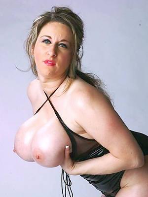 matured women models perfect body