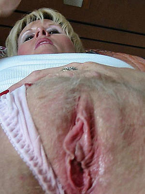 porn pics of hairy adult pussy close up