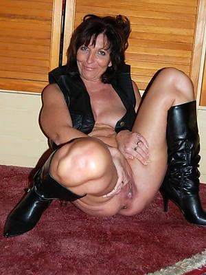 chap-fallen private mature naked porn pics