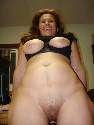 busty amatuer private of age pics