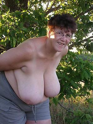 hotties grown-up big boobs homemade pics
