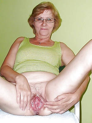 beautiful mature pussy over 60 nud ephoto