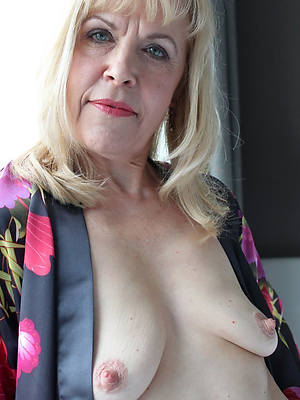 pornstar untrained grown up distended nipples photos