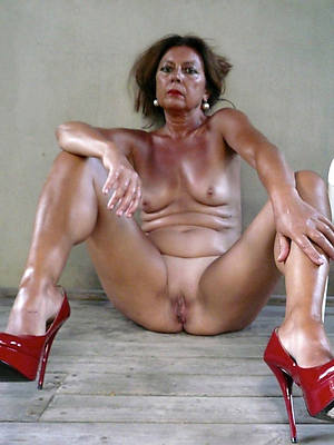 real mature toes with an increment of heels pics