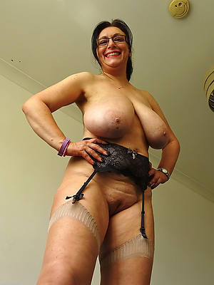 beautiful horny mature dam photos