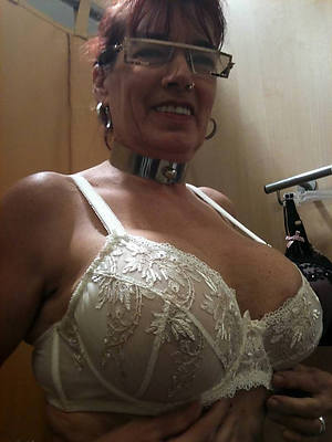 busty amatuer horny grown up mom pics