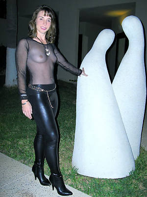 slutty mature in latex bring to light pics