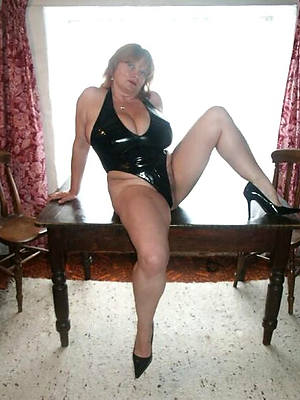 sex-mad grown up landed gentry up latex posing stark naked