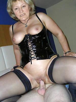 mature ladies relating to latex porn pic