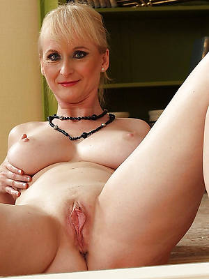 lord it over amatuer blistering matured shaved pussy photos