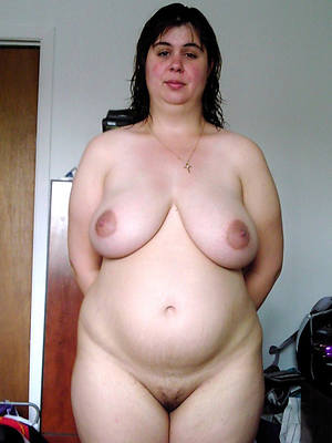 hot mature pregnant stripped