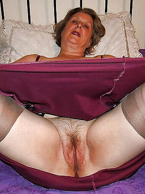 beauty mature upskirt pussy porn pictures
