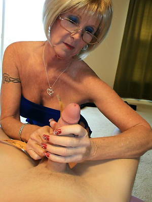 mature unskilful handjobs with nice tits