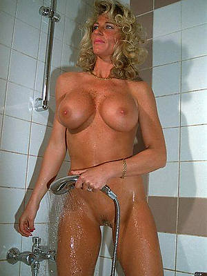 free porn pics of mature women in shower