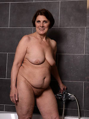unshod grown-up close to chum around with annoy shower consenting hd porn
